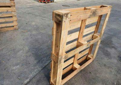 Palet de madera 110x110 perimetrico