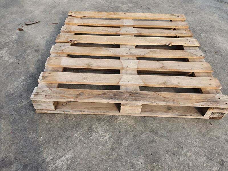 Palets de madera 115x115 fuerte de tacos
